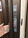 Двери входные металлические уличные со стеклом и ковкой  Магда 142/4 Белое дерево Винорит, фото 7