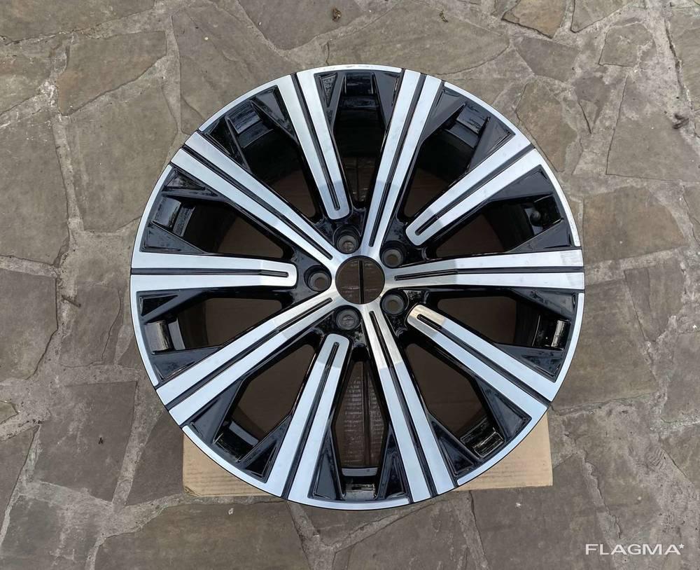 Диск колёсный литой Volvo XC90 Вольво XC90 оригинал 31680217