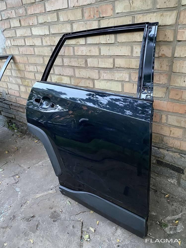 Дверь задняя правая Toyota Rav4 Тойота Рав 4 оригинал от2019