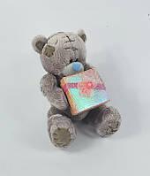 Мишка Тедди с коробкой для подарка 13 сантиметров