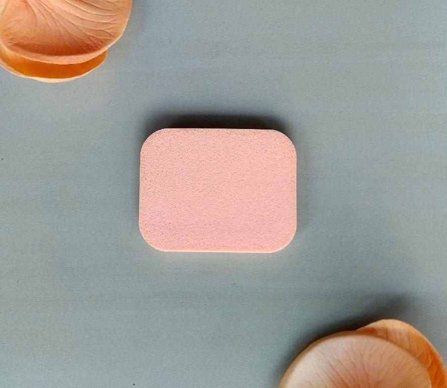 Спонж для макияжа квадратный 6 см   8652