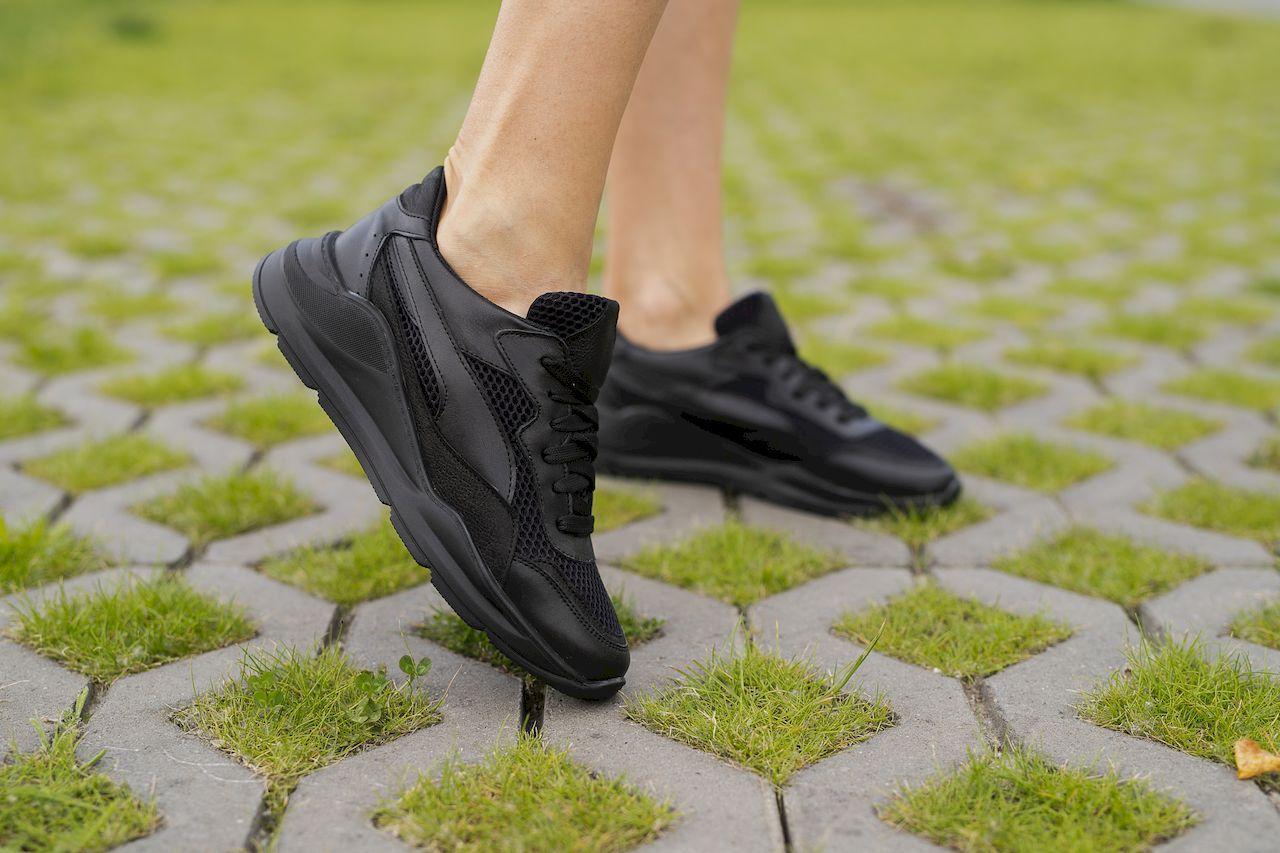 Жіночі кросівки шкіряні літні чорні Yuves 778 Black Сітка