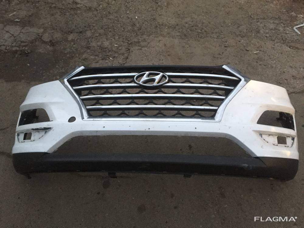 Решетка бампера переднего Hyundai Tucson Хендай Туксон 86350-d7630 Хром с трещиной!