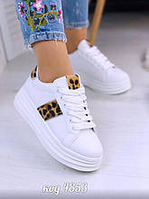 Белые кроссовки на платформе с леопардом