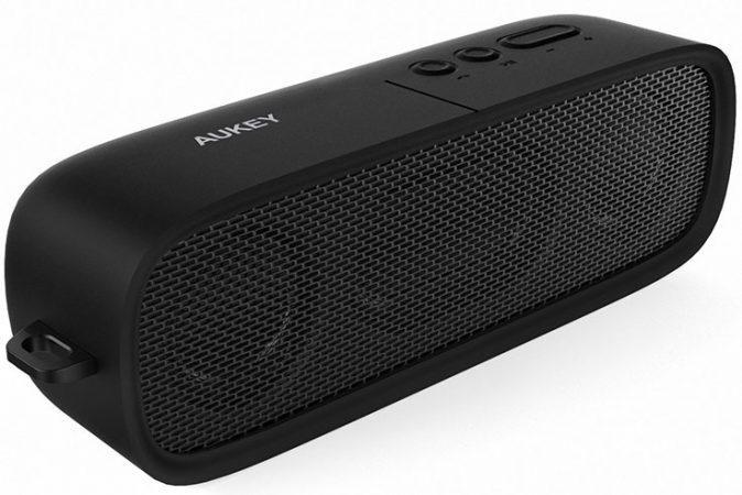(УЦЕНКА) Портативная bluetooth MP3 колонка Aukey SK-M7 Черная