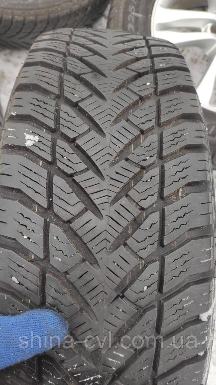 Зимові шини 225/65 R17 102H GOODYEAR ULTRAGRIP SUV 4×4