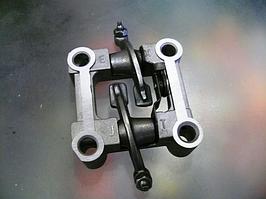 Постель распредвала на скутер 4T GY6 125/150 с коромыслами