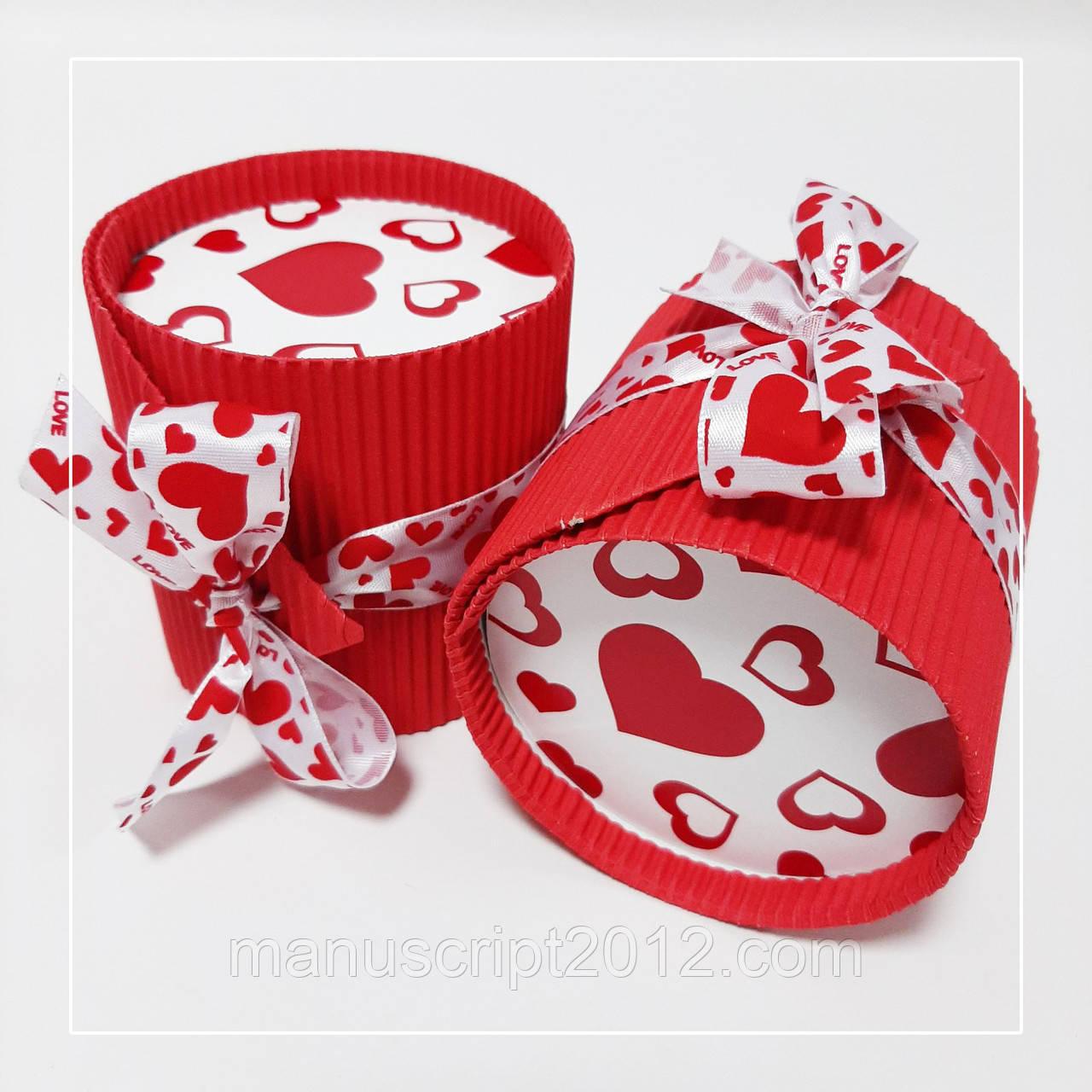 Коробка круглая красная тубус сердце