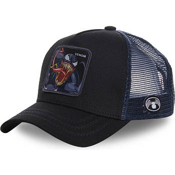 Чорна кепка тракер з принтом Веном