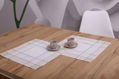 Сервірувальні серветки на стіл