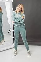 Женский спортивный молодежный костюм из велюра
