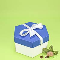 Коробка 170*200*100  подарункова з бантом, біло-синя
