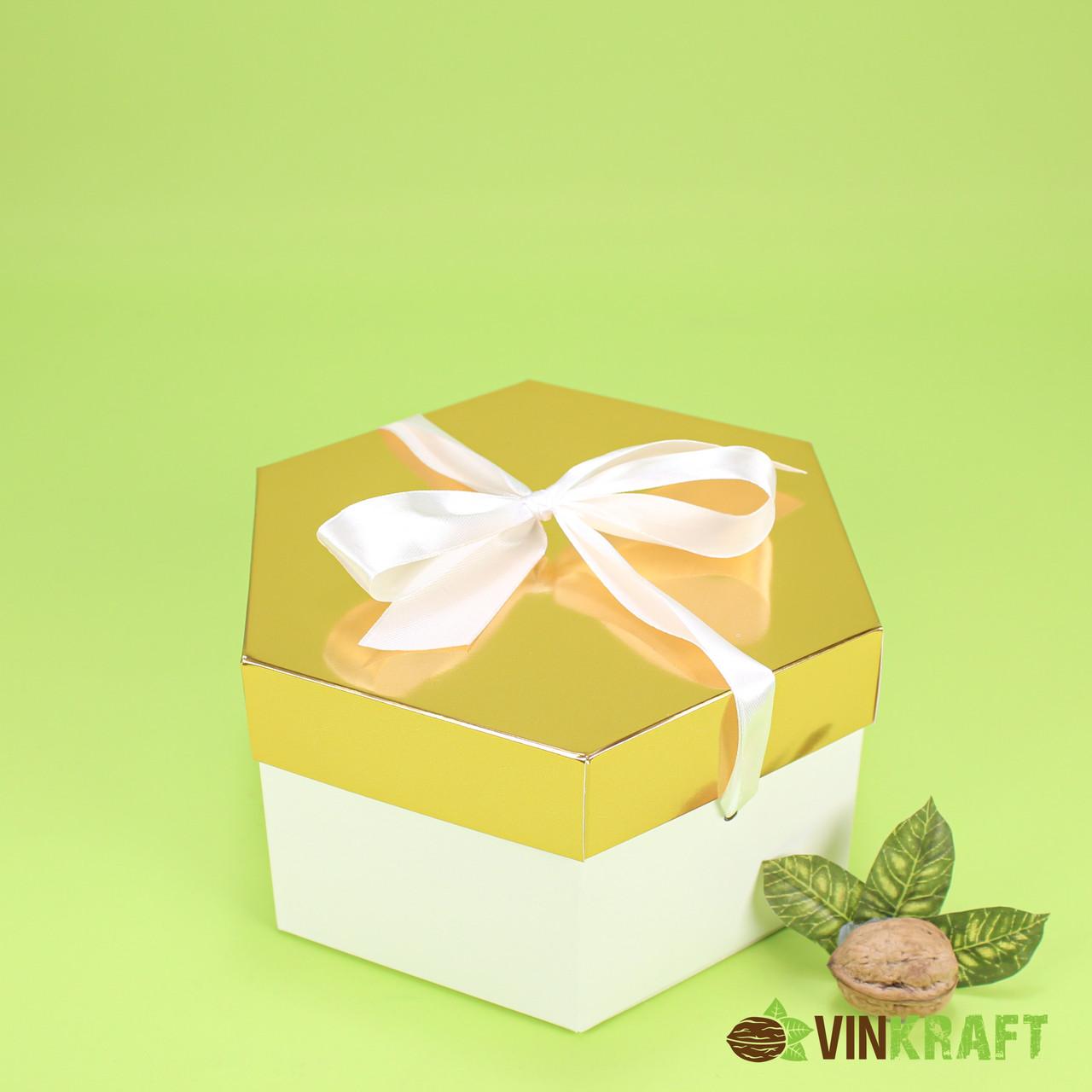 Коробка 170*200*100  подарункова з бантом, біло-золота