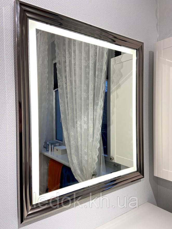 Дзеркало в багетній рамі з підсвічуванням 4237silver 700*1000мм