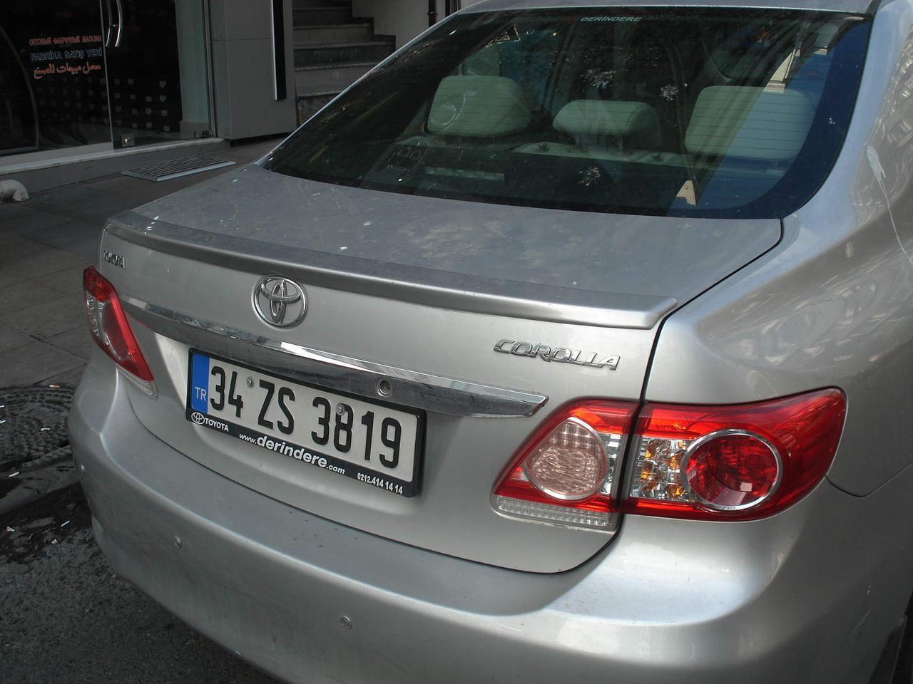 Спойлер лип багажника Toyota Corolla 2007-2012 ABS