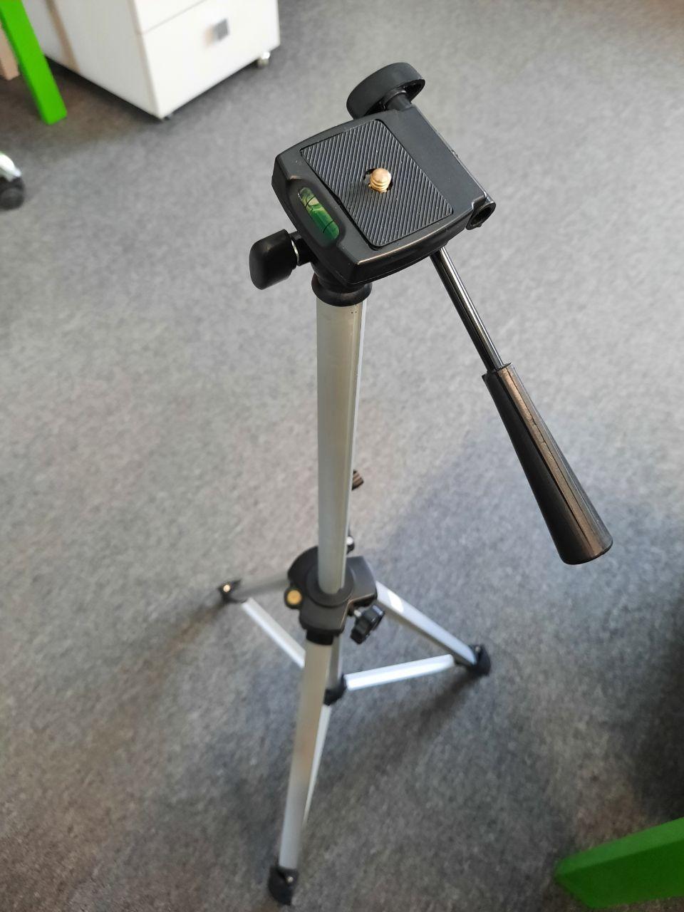 "Штатив тринога для нивелира лазерного 560-1523 мм резьба 1/4"" HIKARI HEA-01S"