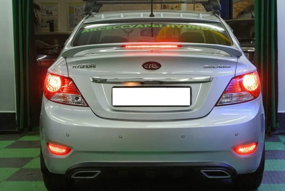 Спойлер на багажник Hyundai Accent 2011-2015 зі стоп сигналом ABS кріплення на скоби (під фарбування)