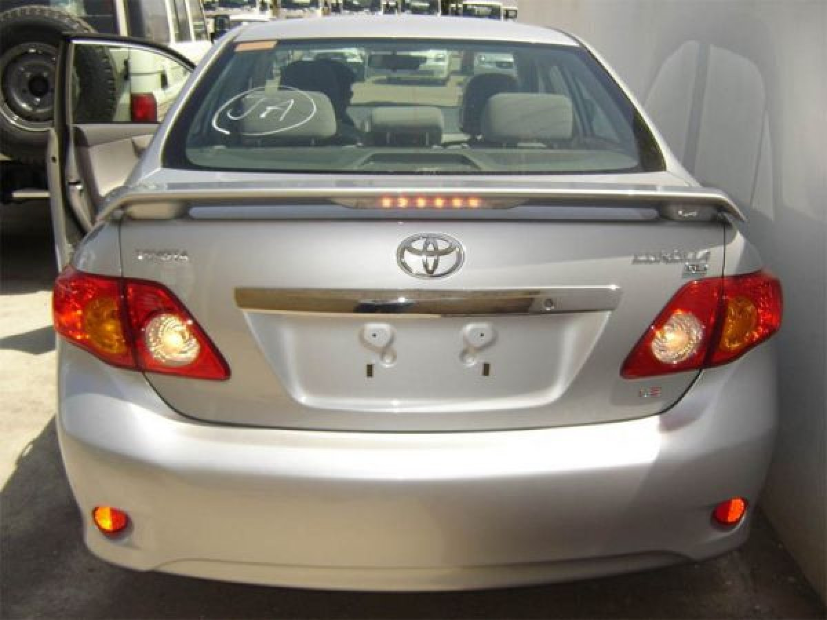 Спойлер Toyota Corolla 2007-2012 ABS пластик под покраску