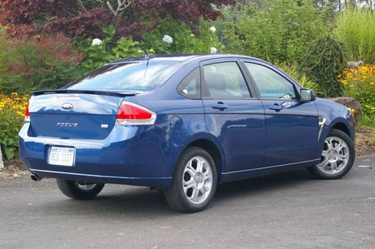 Спойлер на багажник Ford Focus USA 2008-