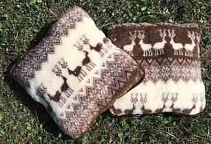 Подушки теплые из овчины и покрывал на овчине
