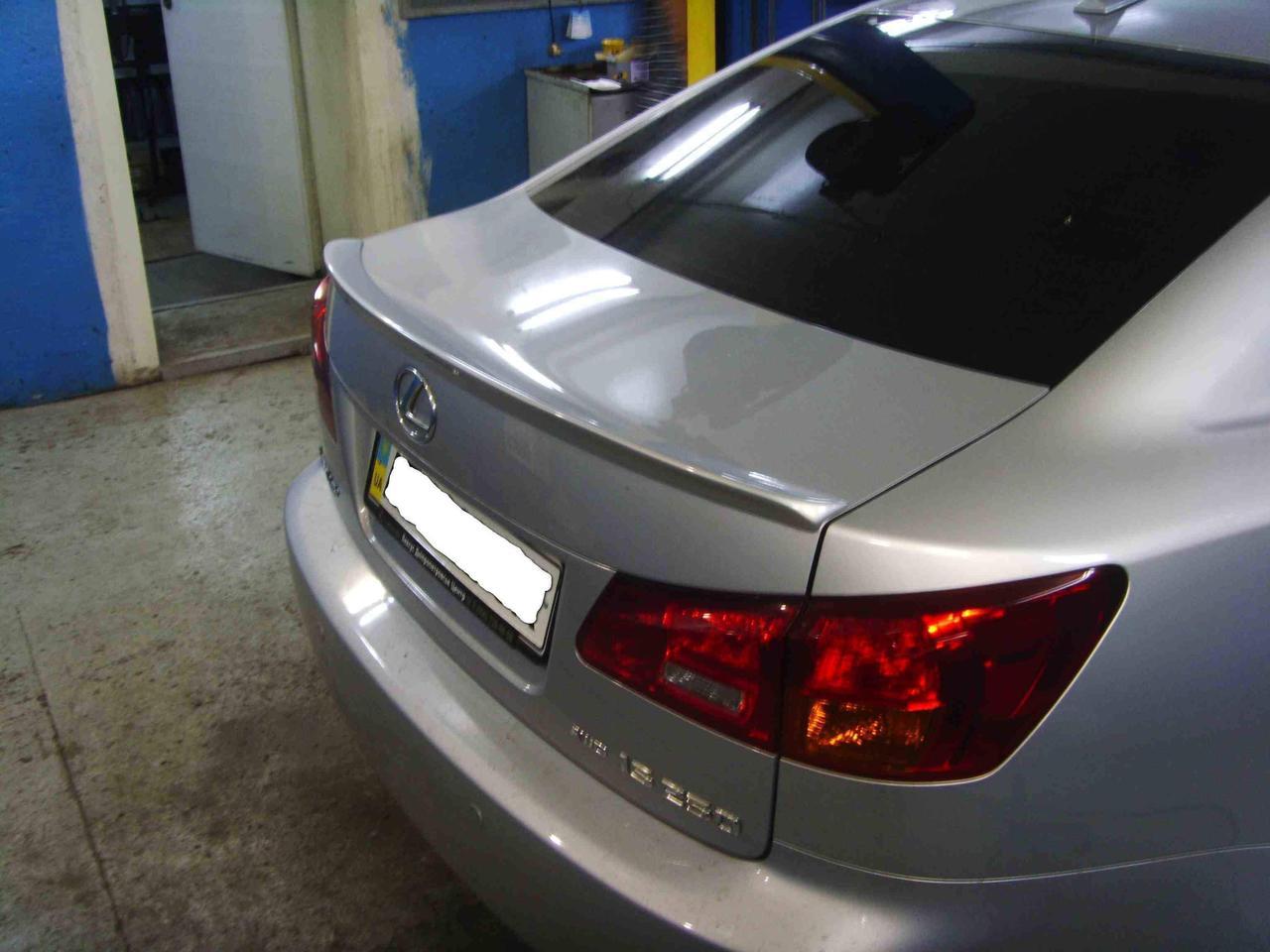 Спойлер лип багажника Lexus IS 250/300/350 AWD 2006-2010 скловолокно під фарбування