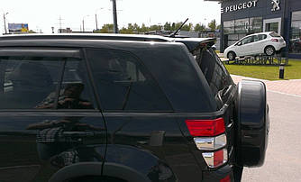 Спойлер багажника Suzuki Grand Vitara 2005-2014 ABS пластик под покраску