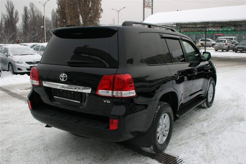 Спойлер Toyota Land Cruiser 200 2007-2015 ABS пластик под покраску