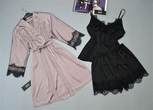 Шелковый комплект халат и пижама (майка и шорты). Ткань шелк Армани.