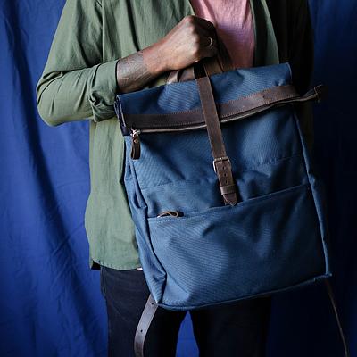 Чоловічий рюкзак з натуральної шкіри синього кольору. Чоловічій шкіряний рюкзак. Чоловічий рюкзак