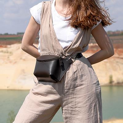 Женская кожаная сумка на пояс коричневого цвета. Женская сумка из натуральной кожи. Жіноча сумка на пояс