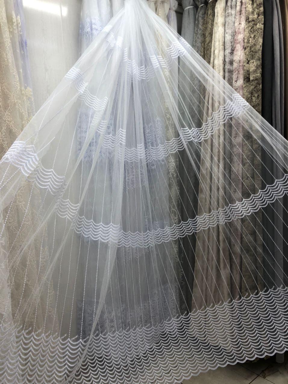 Тюль в 4 ряди вишивки для кухні, спальні на основі фатиновой сітки. Колір: Білий