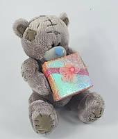 Мишка Тедди с коробкой для подарка на День Святого Валентина