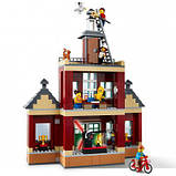 Конструктор LEGO City Міська площа 1517 деталей, фото 3