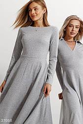 Платье-миди из мягкого материала серое