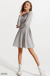 Уютное платье-клеш серое
