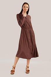 Длинное летнее платье-рубашка из вискозы с длинным рукавом Finn Flare S19-14044-620 коричневое