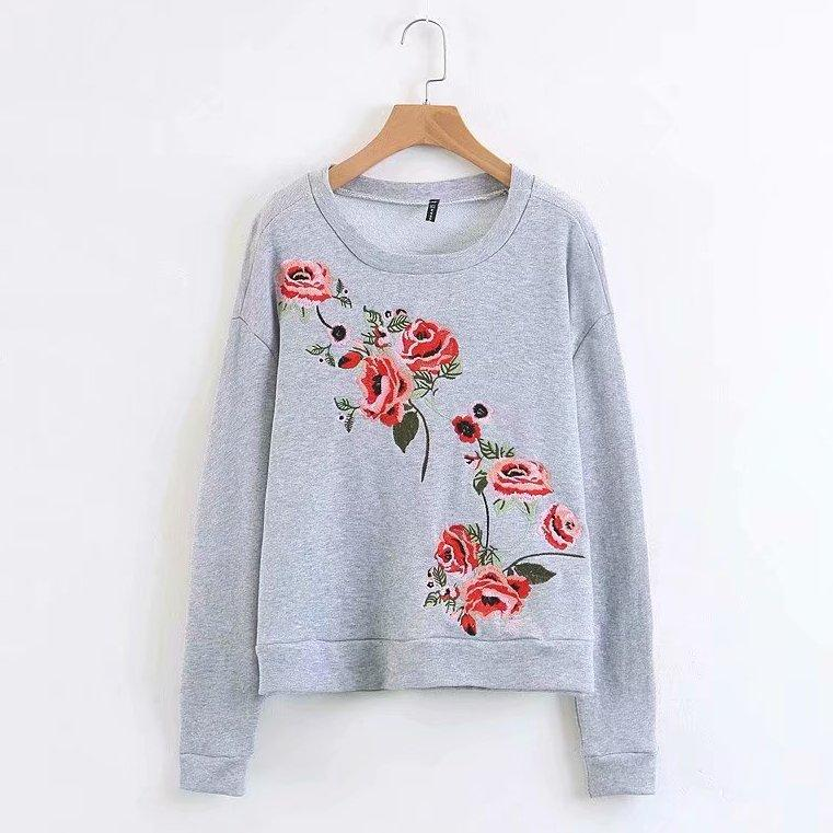 Світшот жіночий з квітковою вишивкою Flowers, сірий Berni Fashion (S)