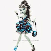 Кукла Фрэнки Штейн из серии Сладкие 1600 Дракулауры Монстер Хай  (Monster High  Frankie Stein Sweet 1600)