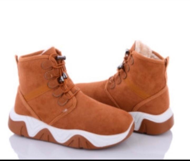 Жіночі черевики. Зима 2021р