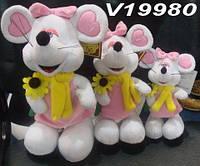 Мышка белая в розовом платье с шарфом и цветком