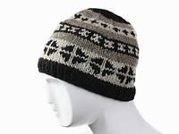 Зимняя шапка вязанная с узором Ручная вязка