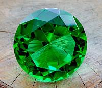 Кристалл Фен-Шуй зелёный (8 х 8 см.)
