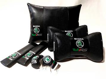 Комплект аксессуаров салона Подушки с логотипом Skoda Подарок в авто Подушка на подголовник в авто