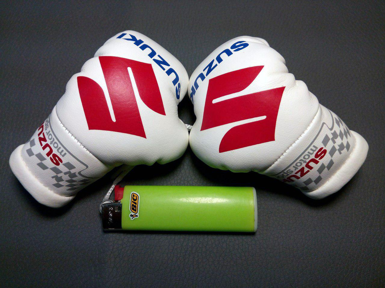 Підвіска боксерські рукавички СУЗУКІ Підвіска боксерські рукавички Авто подарунок Подарунок автолюбителю