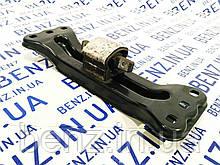 Кронштейн опори двигуна ззаду з подушкою Mercedes C207/W204 A2042421501