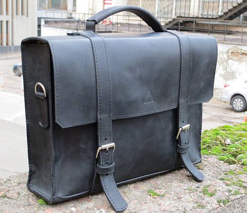 Мужской строгий кожаный портфель Agruz 72992 черный Размеры: 35х25х9 см.