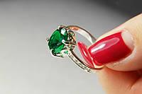 Кольцо из серебра с зеленым фианитом