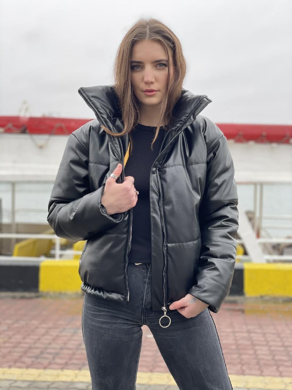 Утепленная кожаная куртка женская