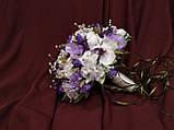 Набор свадебных аксессуаров в сиреневом цвете (букет-дублер, бутоньерки, подвязка), фото 2