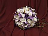 Набор свадебных аксессуаров в сиреневом цвете (букет-дублер, бутоньерки, подвязка), фото 3